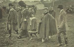 Le roi Victor-Emmanuel III avec sa mère et la princesse Yolande.