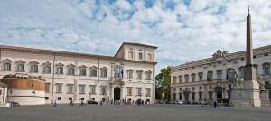 16) L'ancien palais pontifical est devenu en 1870 palais de nouvel Etat Italien résidence normal du Roi, le Pape allant s'installer au Vatican.