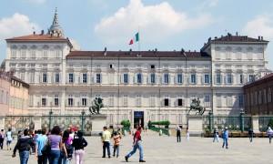 Palais royal de Charles-Albert au début de XIX° s. avec par derrière la Coupole du Saint Suaire.
